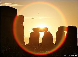 Solsticio en Stonehenge, InglaterraImagen: Getty Images