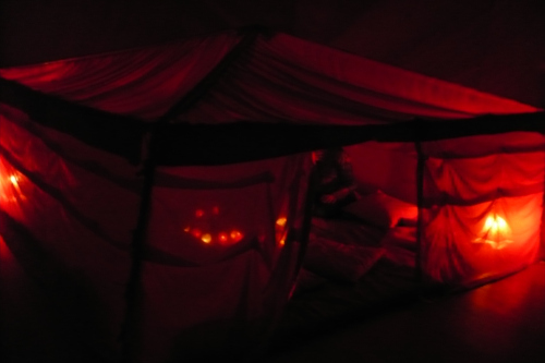 de la página Red Tent Movie