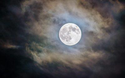 Ritual de luna llena para aportar luz a nuestras sombras